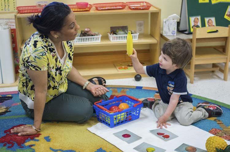 murphy-montessori-teacher-one-on-one-time